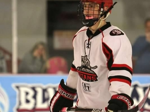 Fighting Falcons Tender NAPHL Player